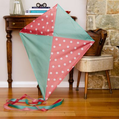 Vintage polkadot diamond kite